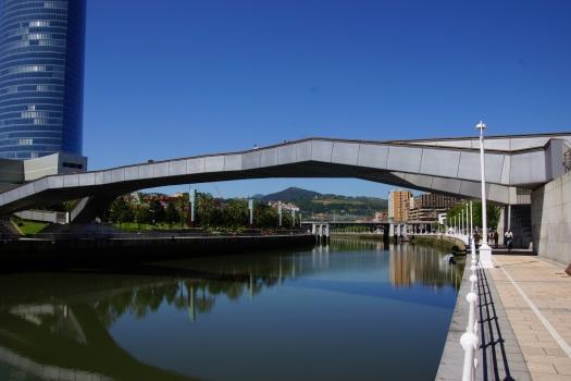 Padre Arrupe-Brücke