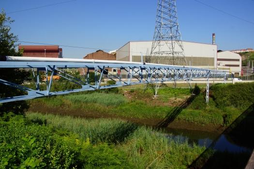 Pont-pipeline sur le Rio Galindo