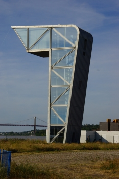 Control Tower for Jacques Chaban-Delmas Bridge