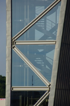 Kontrollturm der Jacques-Chaban-Delmas-Brücke