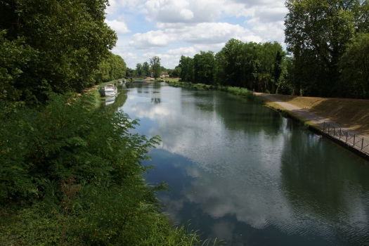 Garonne Lateral Canal