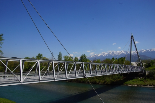 Footbridge across the Drac