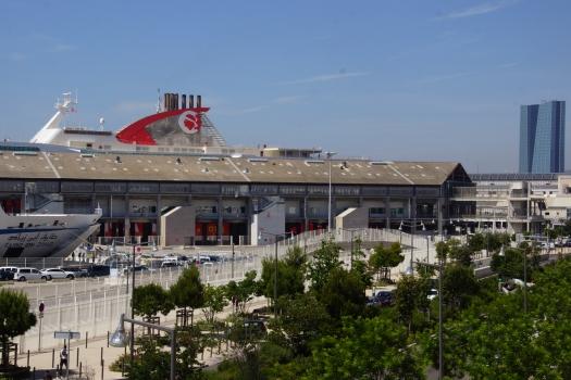 Hangar J1
