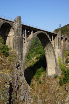 Pont ferroviaire sur l'Ulla