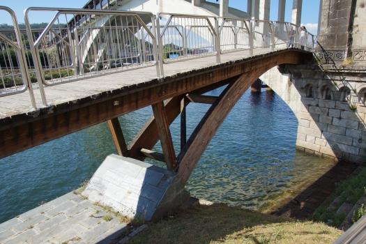 Passerelle sous le Ponte da Barca