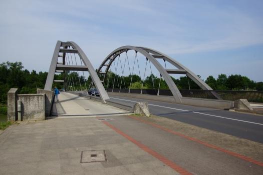 Pasteurallee Bridge