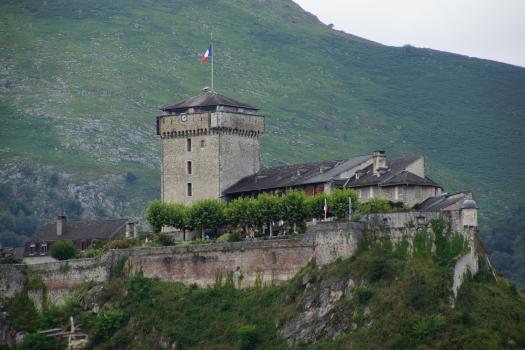 Burg Lourdes