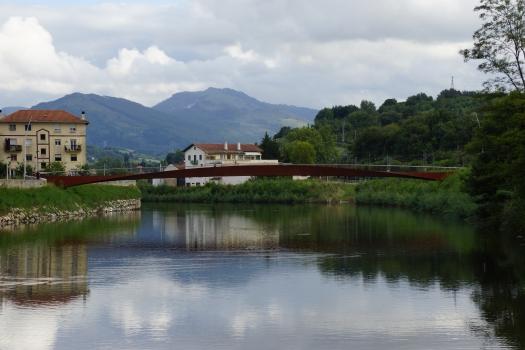 Geh- und Radwegbrücke Martutene