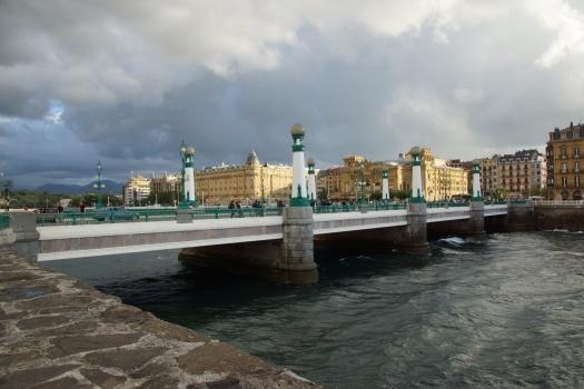 Zurriola-Brücke