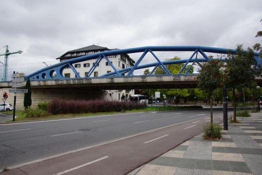 Pont ferroviaire sur la Gaztelako Atea