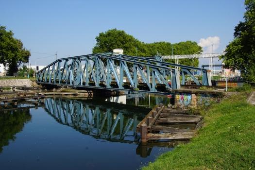 Pont ferroviaire du port au Pétroles