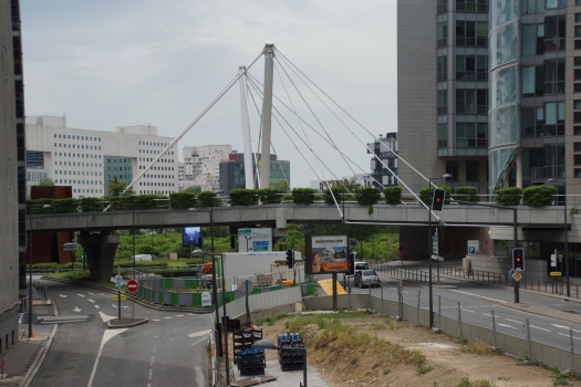 Passerelle du Triangle de l'Arche