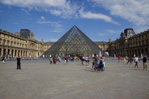 Pyramide des Louvre