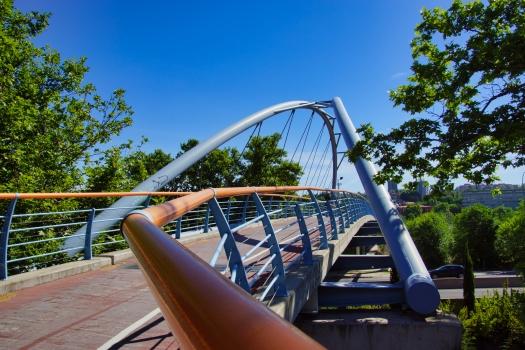 Geh- und Radwegbrücke über die M-500