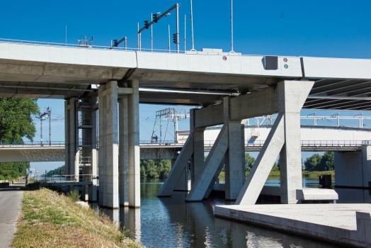 K033 Viaduct (A 11)