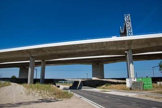Viaduc de l'autoroute A11