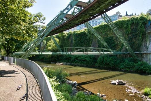Rohrbrücke am Schauspielhaus