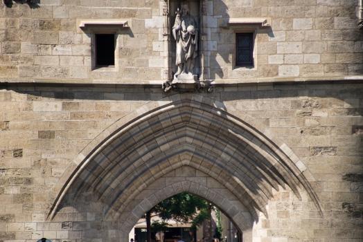 Porte Cailhau