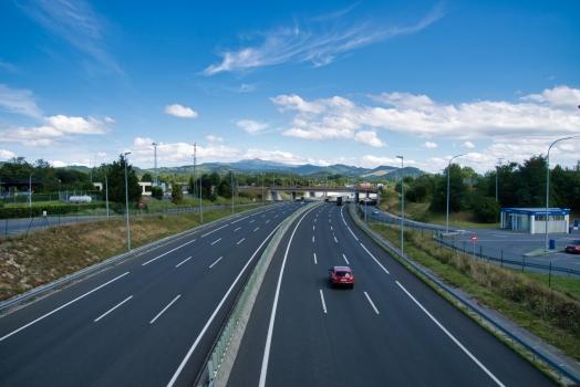 Autobahn A-8 / AP-8 (Spanien)