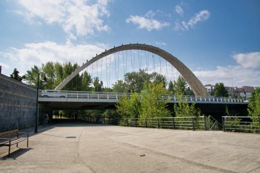Oblatas-Brücke