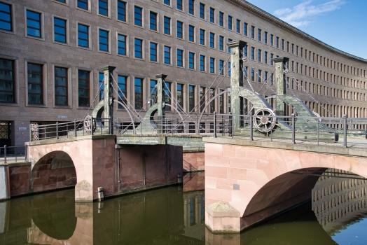 Jungfernbrücke