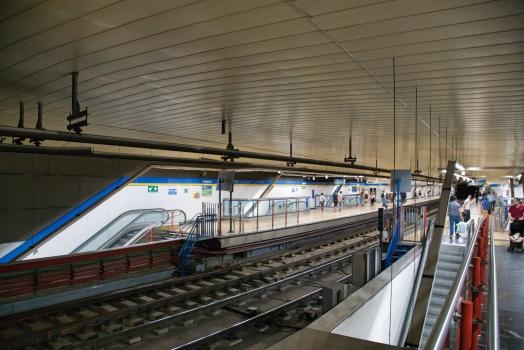 Metrobahnhof Legazpi