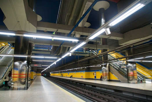 Metrobahnhof Arganzuela-Planetario