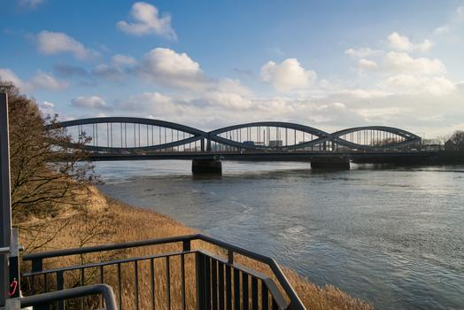 New Elbe Bridge