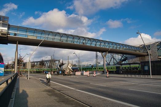 Passerelle des gares d'Elbbrücken