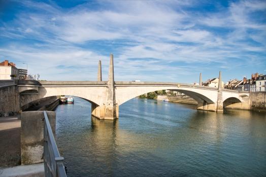 Saint Laurent Bridge