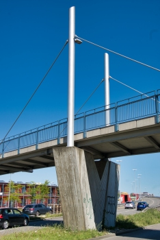 Footbridge across the B33