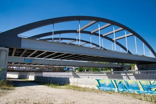 Fernbahnbrücke über die A100