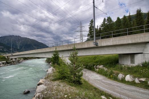 Neue Flazbrücke der Rhätischen Bahn