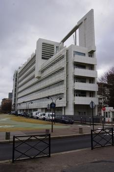 Canal + Studio- und Verwaltungsgebäude