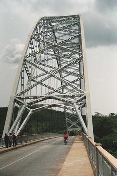 Pont sur le Volta