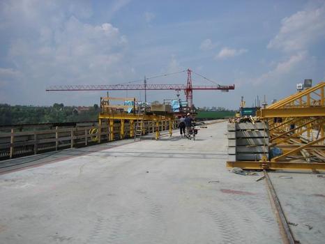 Lockwitztalbrücke, auf der Ostplatte