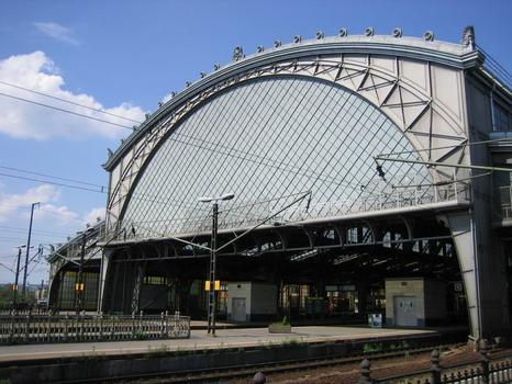 Bahnhof Dresden-Neustadt, Bahnhofshalle aus Richtung Elbe/Hauptbahnhof