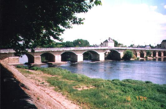 Pont de Chinon