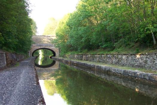 Canal de la Marne à la Saône