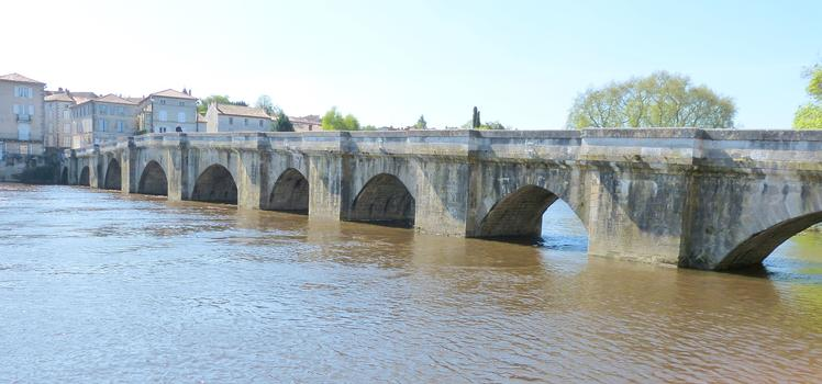 Alte Viennebrücke Confolens