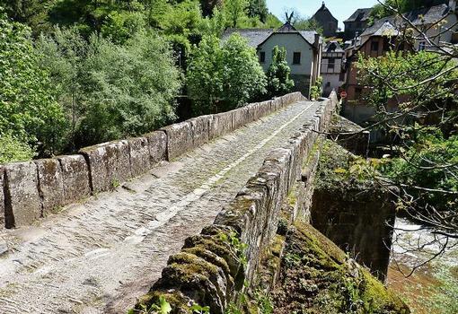 Dourdoubrücke Conques