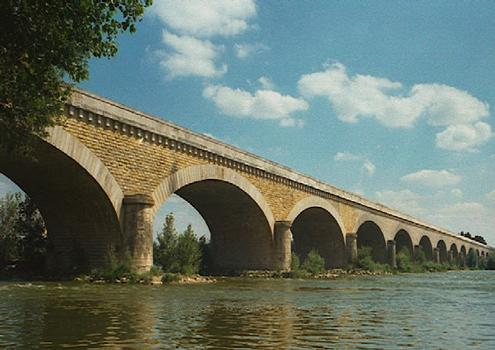 Loirebrücke Bourgueil
