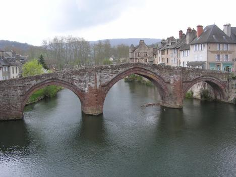 Lotbrücke Espalion