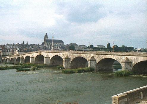 Pont Jacques Gabriel (pont-route), Blois, Loir et Cher