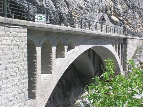 Pont du Gueydan (pont-route), St Benoit, Alpes de Haute Provence