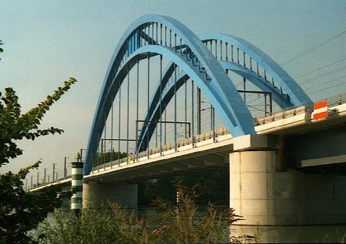 Vénéjan-Mornas Viaduct.