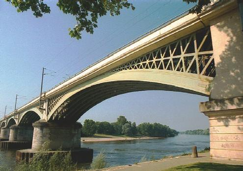 Loire Railroad Bridge at Nevers (Nevers, 1850)