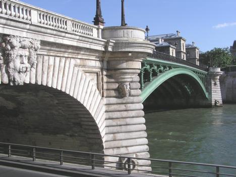 Pont Notre Dame (pont-route), Paris, Seine