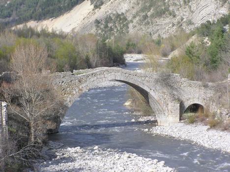 Pont d'Ondre (pont-route), Thorame Haute, Alpes de Haute Provence
