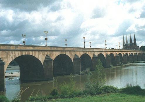Pont de RegemorteMoulinsAllier
